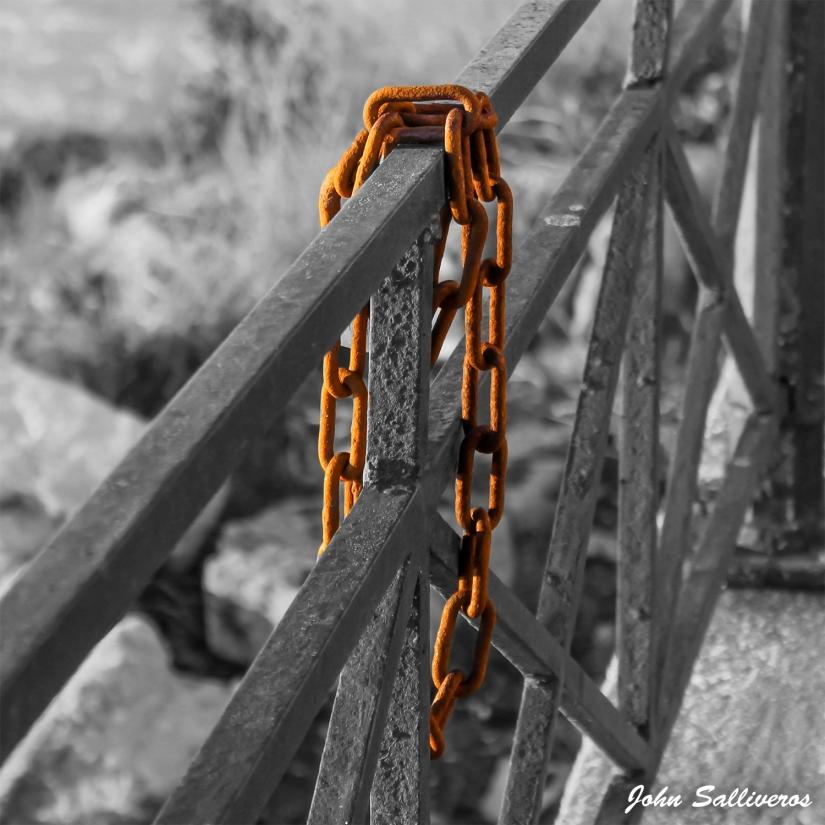 Chain – B&W