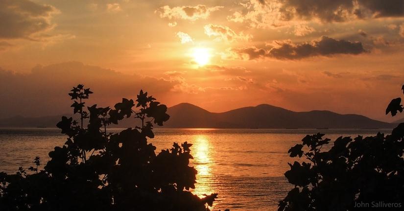 Sunset, Piraiki